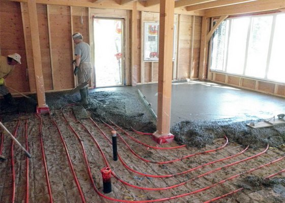 Как сделать теплые водяные полы в частном доме